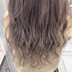 グレージュ ストリート 透明感カラー ブリーチカラー ヘアスタイルや髪型の写真・画像