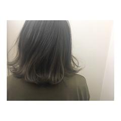 アッシュグレージュ 外国人風カラー ミディアム ボブ ヘアスタイルや髪型の写真・画像