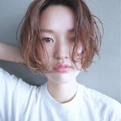 外国人風 フレンチセピアアッシュ パーマ ラフ ヘアスタイルや髪型の写真・画像