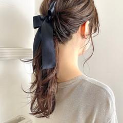 ポニーテールアレンジ ナチュラル ロング 大人女子 ヘアスタイルや髪型の写真・画像