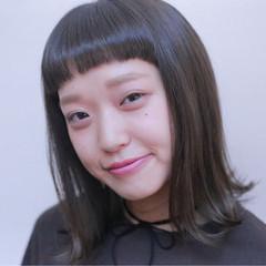外国人風 ピュア アッシュ ナチュラル ヘアスタイルや髪型の写真・画像