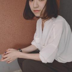 暗髪 色気 ストリート くせ毛風 ヘアスタイルや髪型の写真・画像