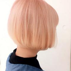 ピンク 外国人風 ナチュラル 切りっぱなし ヘアスタイルや髪型の写真・画像