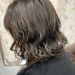 スパイラルパーマ デジタルパーマ モード 無造作パーマ ヘアスタイルや髪型の写真・画像