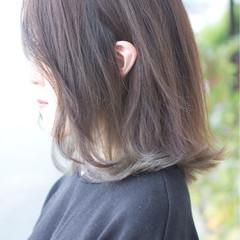 ストリート グラデーションカラー ボブ グレージュ ヘアスタイルや髪型の写真・画像