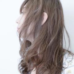 ナチュラル くせ毛風 フェミニン ロング ヘアスタイルや髪型の写真・画像