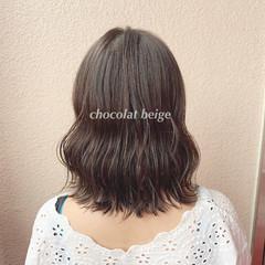 大人可愛い ミルクティーベージュ 透明感カラー ブリーチなし ヘアスタイルや髪型の写真・画像