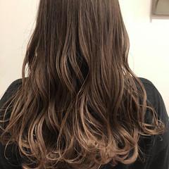 ロング デジタルパーマ パーマ 無造作パーマ ヘアスタイルや髪型の写真・画像