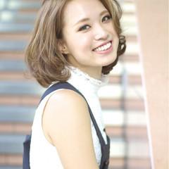 ミディアム ハイライト フェミニン 大人かわいい ヘアスタイルや髪型の写真・画像