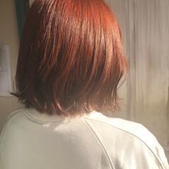 切りっぱなしボブ オレンジベージュ オレンジカラー ボブ ヘアスタイルや髪型の写真・画像