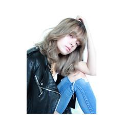 セミロング 外国人風 ストリート グラデーションカラー ヘアスタイルや髪型の写真・画像