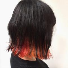 レッド ストリート 黒髪 インナーカラー ヘアスタイルや髪型の写真・画像