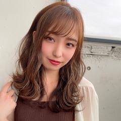 アッシュブラウン 耳かけ 前髪 デジタルパーマ ヘアスタイルや髪型の写真・画像