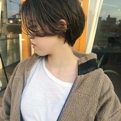 ナチュラル ショートヘア ハンサムショート マッシュ ヘアスタイルや髪型の写真・画像