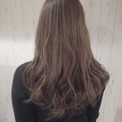 ロング 透明感 フェミニン ベージュ ヘアスタイルや髪型の写真・画像