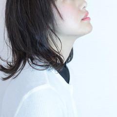 アンニュイ ナチュラル グレージュ ミディアム ヘアスタイルや髪型の写真・画像