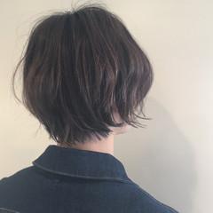 ナチュラル ハイライト オフィス ショート ヘアスタイルや髪型の写真・画像