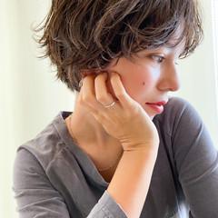 透明感カラー ナチュラル ショートヘア 無造作パーマ ヘアスタイルや髪型の写真・画像