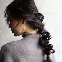 アンニュイほつれヘア 簡単ヘアアレンジ 編みおろし エレガント ヘアスタイルや髪型の写真・画像
