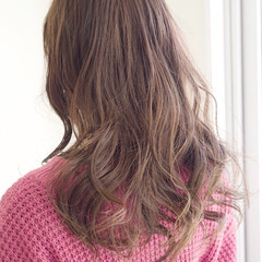 外国人風フェミニン ロング ミルクティーベージュ 外国人風 ヘアスタイルや髪型の写真・画像