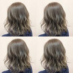 グレージュ アッシュ ストリート デート ヘアスタイルや髪型の写真・画像
