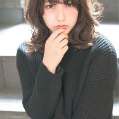 ミディアム ハイライト 大人かわいい ゆるふわ ヘアスタイルや髪型の写真・画像