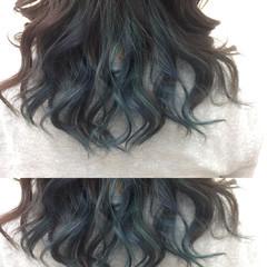 暗髪 ネイビーアッシュ インナーカラー モード ヘアスタイルや髪型の写真・画像