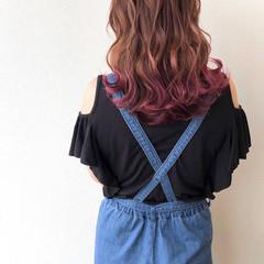 デザインカラー ピンクベージュ ロング 裾カラー ヘアスタイルや髪型の写真・画像