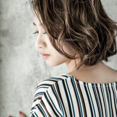 グラデーションカラー コンサバ ボブ バレイヤージュ ヘアスタイルや髪型の写真・画像