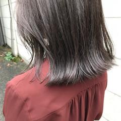 アッシュグレージュ ベージュ ナチュラル モノトーン ヘアスタイルや髪型の写真・画像