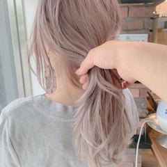 ピンクベージュ ブリーチ ハイトーン ミディアム ヘアスタイルや髪型の写真・画像