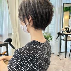 インナーカラー ベリーショート ナチュラル ショートヘア ヘアスタイルや髪型の写真・画像