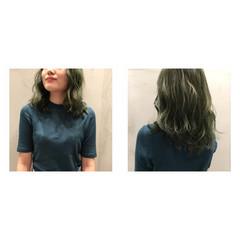 カーキ マット ミディアム ストリート ヘアスタイルや髪型の写真・画像