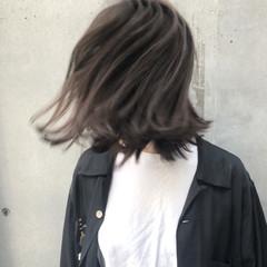 アッシュグレージュ ナチュラル ヘアアレンジ ロブ ヘアスタイルや髪型の写真・画像