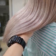 ミルクティーベージュ ミルクティーグレージュ ブロンド ナチュラル ヘアスタイルや髪型の写真・画像