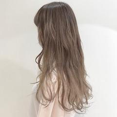 ガーリー ラベンダーアッシュ ミルクティー ミルクティーベージュ ヘアスタイルや髪型の写真・画像