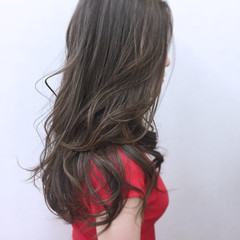 アンニュイ ウェーブ リラックス フェミニン ヘアスタイルや髪型の写真・画像