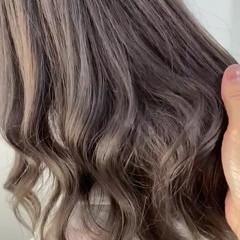 ミルクティーグレージュ グレージュ ヨシンモリ ナチュラル ヘアスタイルや髪型の写真・画像