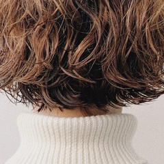 無造作パーマ ボブ 切りっぱなしボブ パーマ ヘアスタイルや髪型の写真・画像