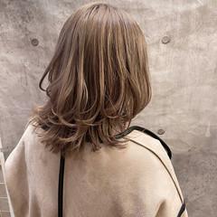 ミディアム ストリート インナーカラー ウルフカット ヘアスタイルや髪型の写真・画像