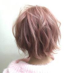 ピンク ブリーチ フェミニン ショート ヘアスタイルや髪型の写真・画像