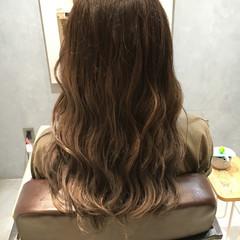 アッシュ ゆるふわ グラデーションカラー ナチュラル ヘアスタイルや髪型の写真・画像