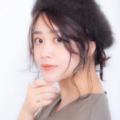 ベレー帽アレンジ フェミニン セミロング ベレー帽 ヘアスタイルや髪型の写真・画像