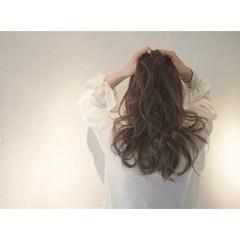 アッシュ セミロング デート ナチュラル ヘアスタイルや髪型の写真・画像