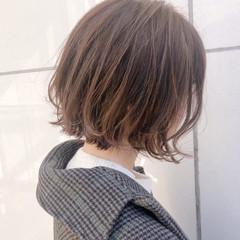 パーマ ナチュラル 簡単ヘアアレンジ オフィス ヘアスタイルや髪型の写真・画像