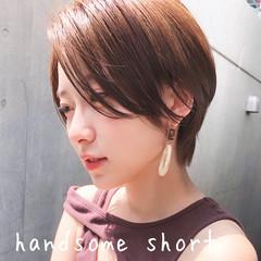 ナチュラル ハンサムショート ショート 前髪なし ヘアスタイルや髪型の写真・画像