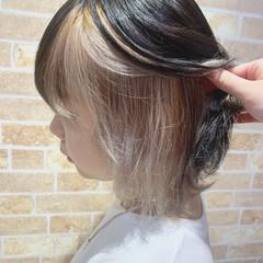 インナーカラーホワイト インナーカラーグレー ボブ ホワイトカラー ヘアスタイルや髪型の写真・画像