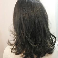 ワンカール 外ハネ 内巻き ナチュラル ヘアスタイルや髪型の写真・画像