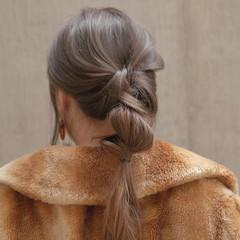 簡単ヘアアレンジ アッシュベージュ ナチュラル ヘアアレンジ ヘアスタイルや髪型の写真・画像