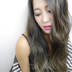 ロング 上品 エレガント アッシュ ヘアスタイルや髪型の写真・画像